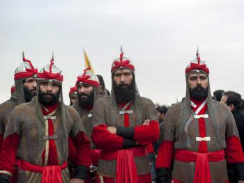 阿舒拉节上的塔兹赫04