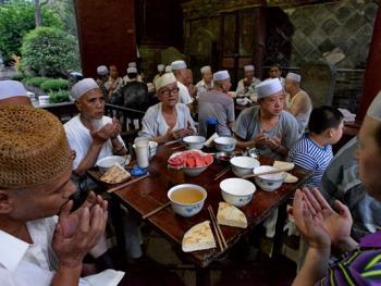 西安清真大寺的斋饭习俗10