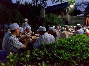 西安清真大寺的斋饭习俗14