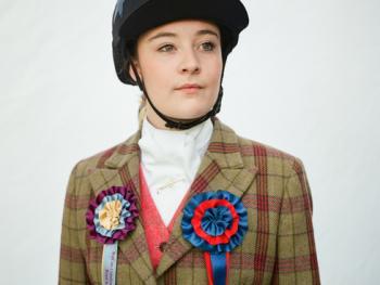 苏格兰骑马节上的人们02