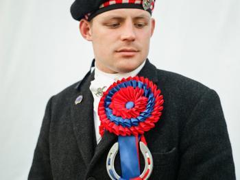 苏格兰骑马节上的人们04