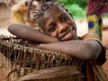 中非森林中的巴亚卡人02