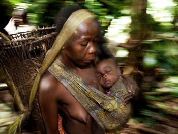 中非森林中的巴亚卡人07