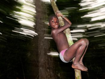 中非森林中的巴亚卡人09