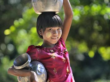 缅甸清凉涂面塔纳卡