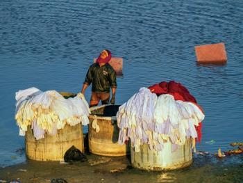 亚穆纳河畔的洗衣工6