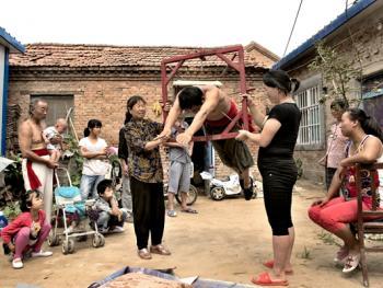 濮阳杂技村09