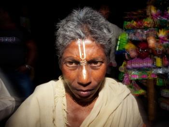 证明印度教徒身份的提拉卡14