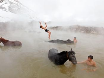 内梅鲁特湖温泉浴马3