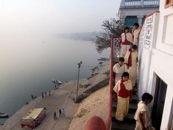 印度格鲁库中的女性04