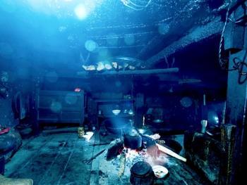 蘑菇房里的哈尼火塘01