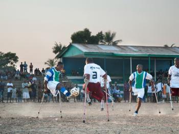 塞拉利昂残疾人的体育生活12