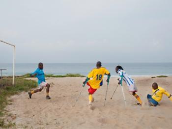 塞拉利昂残疾人的体育生活02