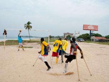 塞拉利昂残疾人的体育生活03