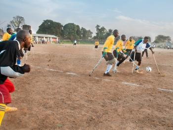 塞拉利昂残疾人的体育生活08