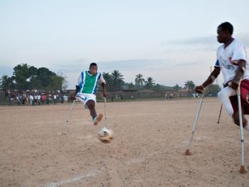 塞拉利昂残疾人的体育生活09
