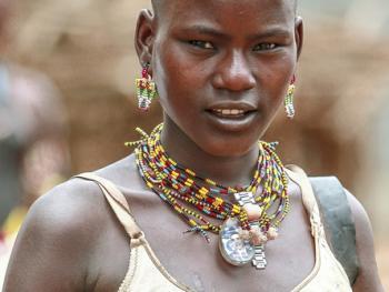 哈马尔妇女的服饰13