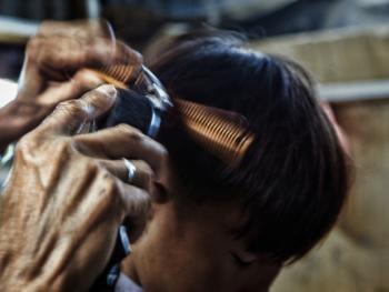 平挂岛的理发师06