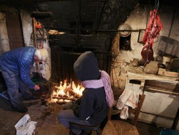法国南部乡村宰猪习俗11