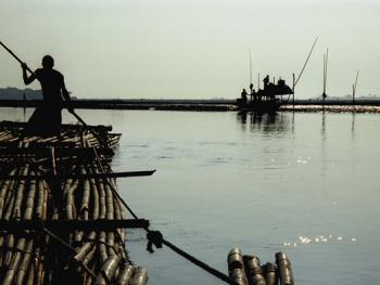孟加拉放竹排03