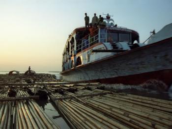 孟加拉放竹排07