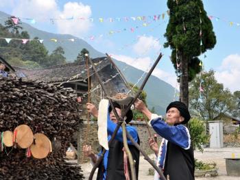 还山鸡节的祭祀仪式11