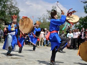 还山鸡节的祭祀仪式13