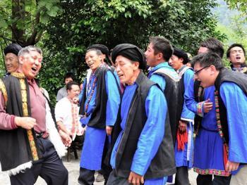 还山鸡节的祭祀仪式08