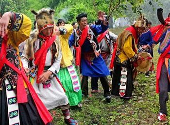 羌人祭山07