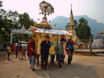 老挝葬礼13