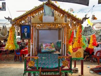 老挝葬礼01