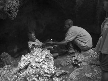 伏都教山洞仪式04