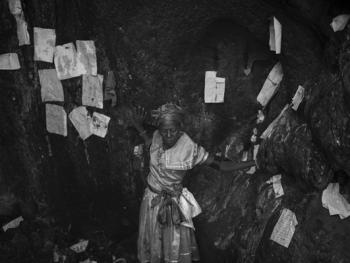 伏都教山洞仪式05