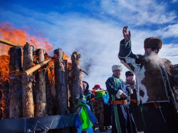 鄂温克族祭火节07