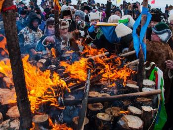 鄂温克族祭火节08
