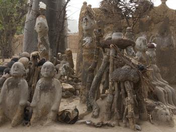 帕拉村灵性石人10