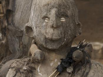 帕拉村灵性石人12