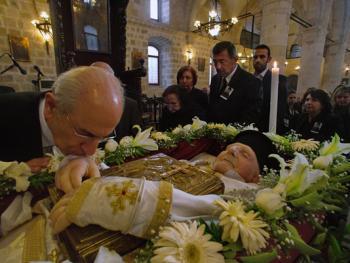 萨米神甫的葬礼05