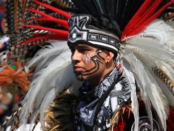 阿兹特克民族服饰13