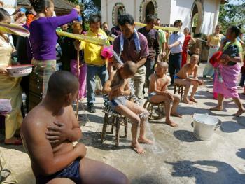傣族男童入寺仪式10