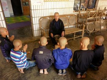 傣族男童入寺仪式