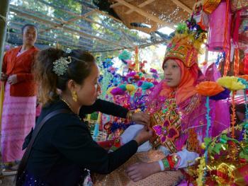 傣族男童入寺仪式05