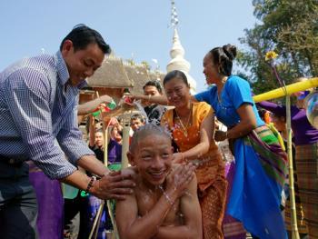 傣族男童入寺仪式09