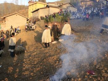 彝族送祖归灵仪式
