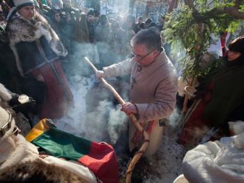 洛姆瓦教首领克列维的葬礼7
