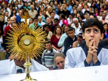 巴西复活节圣体匣游行03