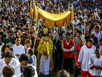 巴西复活节圣体匣游行08