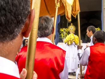 巴西复活节圣体匣游行09