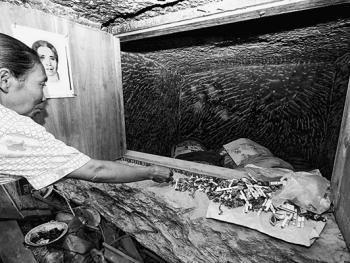 托拉雅人的葬俗06