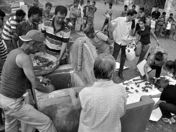 加尔各答华人的捡骨葬12